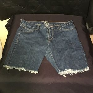 The Diva by Old Navy cut offs size 10 Regular